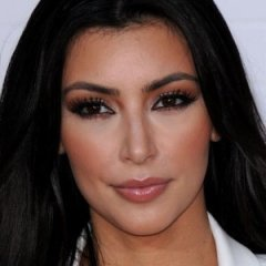 12 Unusual Ways Celebrities Hydrate Their Skin