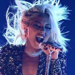 Lady Gaga Performs Shallow Without Bradley Cooper At Grammys