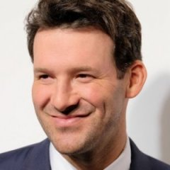 Tony Romo Stole Super Bowl Show Without Even Really Trying