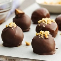 Peanut Butter-Chocolate Truffles That Only Require 2 Ingredients